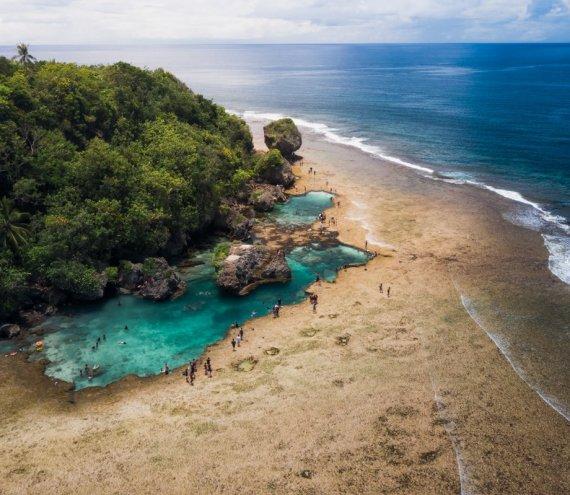 Der Magpupungko Strand