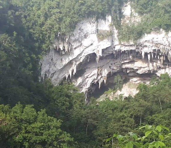 Die Langun-Gobingob Höhle