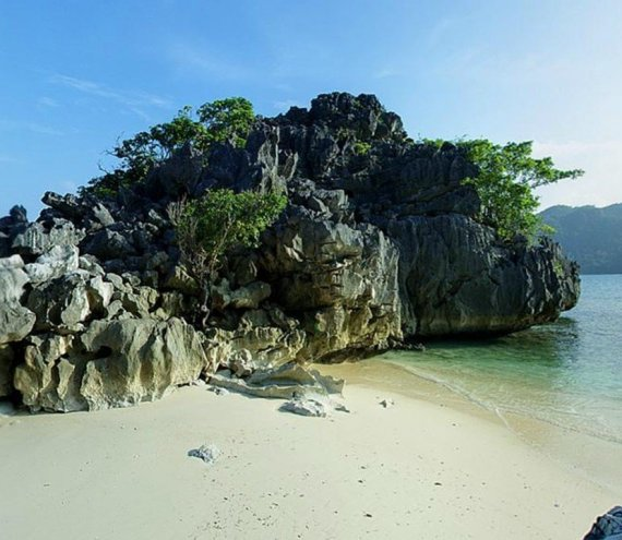 Die Sabitang-Laya Insel