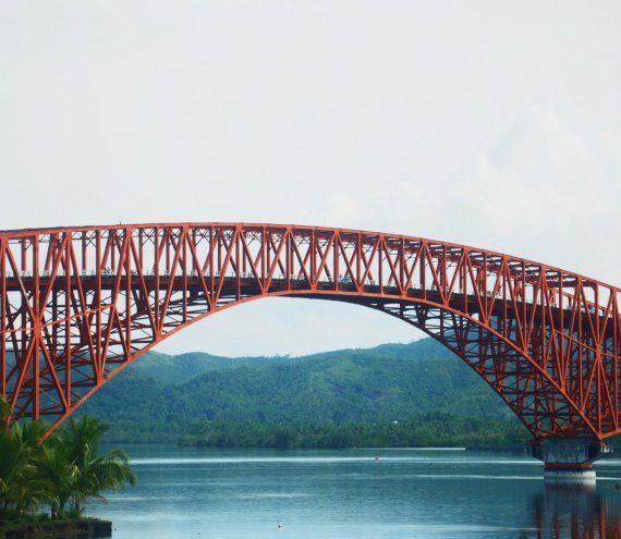Die San Juanico Brücke